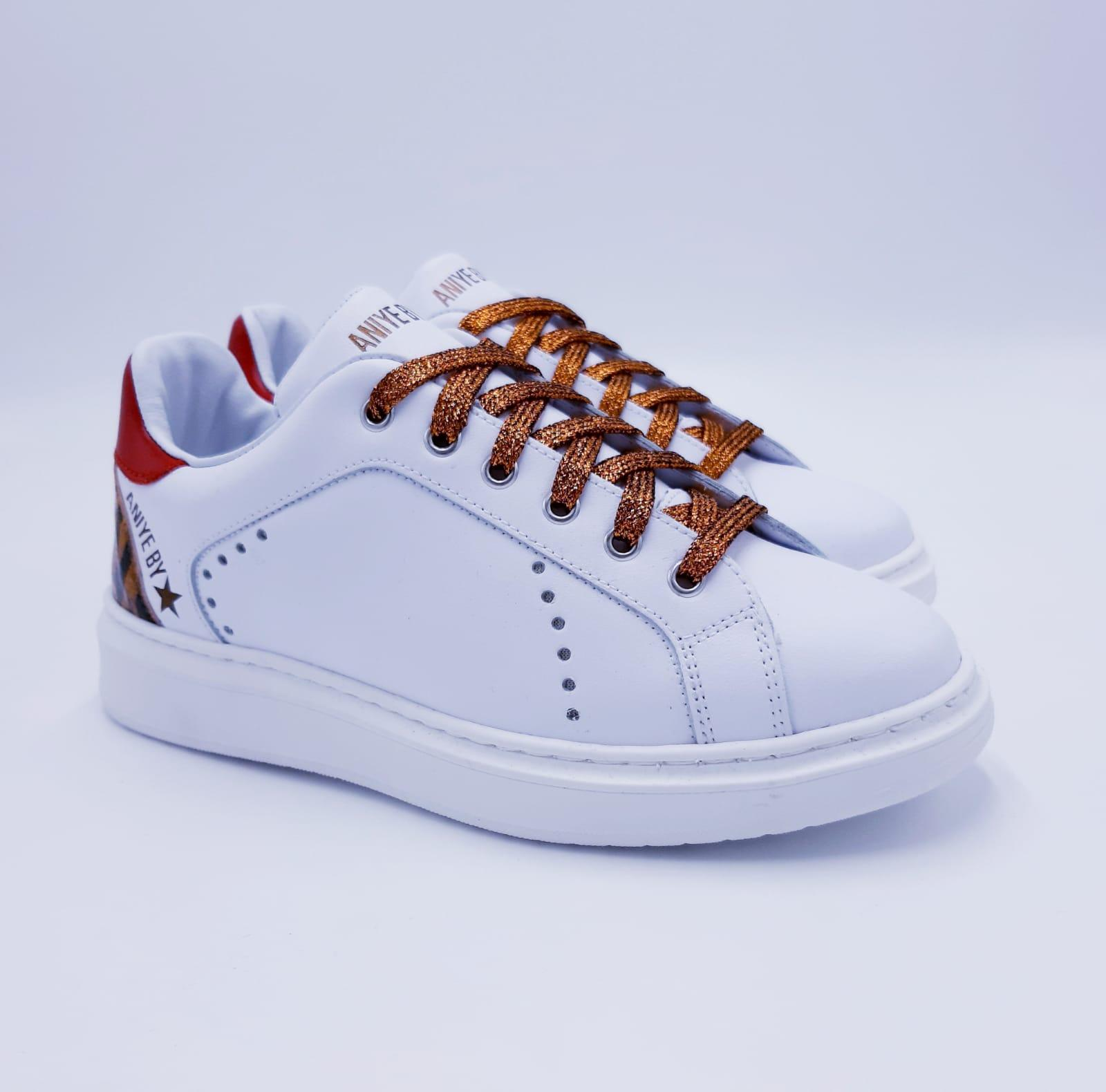 Sneaker Over Jungle Aniye By