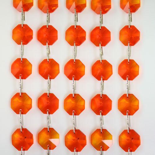 Catena ottagoni 14 mm in cristallo arancione, lunghezza 50 cm. Clip nickel.