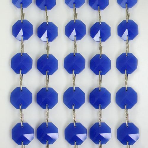 Catena ottagoni 14 mm in cristallo blu seta, lunghezza 50 cm. Clip nickel.