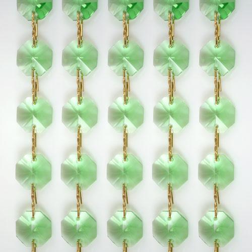 Catena ottagoni 14 mm in cristallo verde chiaro, lunghezza 50 cm. Clip ottone.