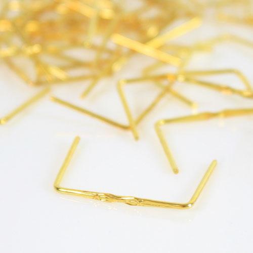 Clip 17 mm disegno stella finitura ottone brillante per agganci cristalli da lampadario.