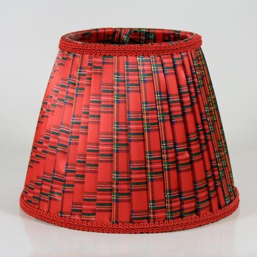 Paralume 20x12xh16 cm tronco cono in tessuto plissè con disegno scozzese color rosso. Attacco E14.