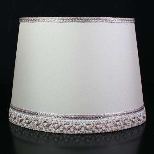Paralume ventola ovale color avorio con passamaneria tinte varie. Attacco E27