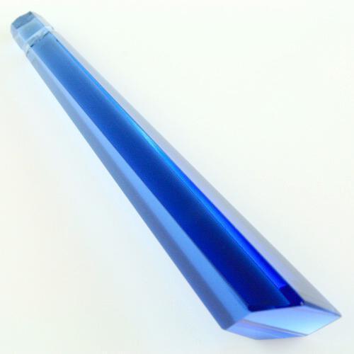Pendaglio prisma 76 mm asimmetrico in cristallo sfaccettato color blu