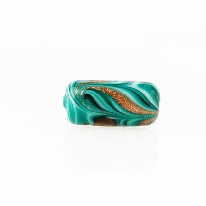Perla di Murano cilindro Fenicio Ø9x18. Vetro verde chiaro, verde acqua, verde scuro e avventurina. Foro passante.