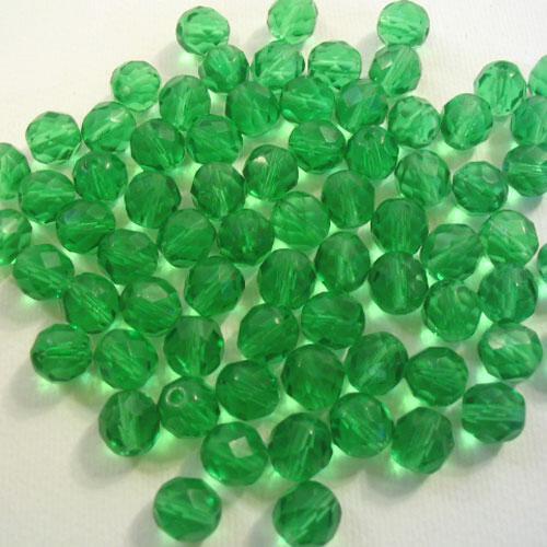 Perla sfaccettata 8 mm mezzo cristallo verde smeraldo
