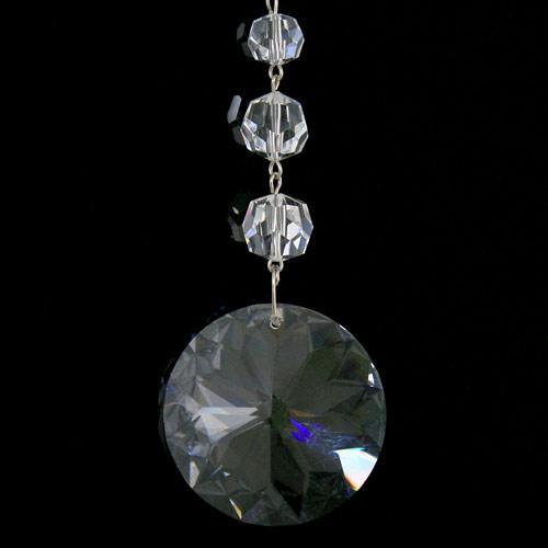Strenna decorativa con cristalli Asfour, perle sfaccettate e tondo pendente sfaccettato.