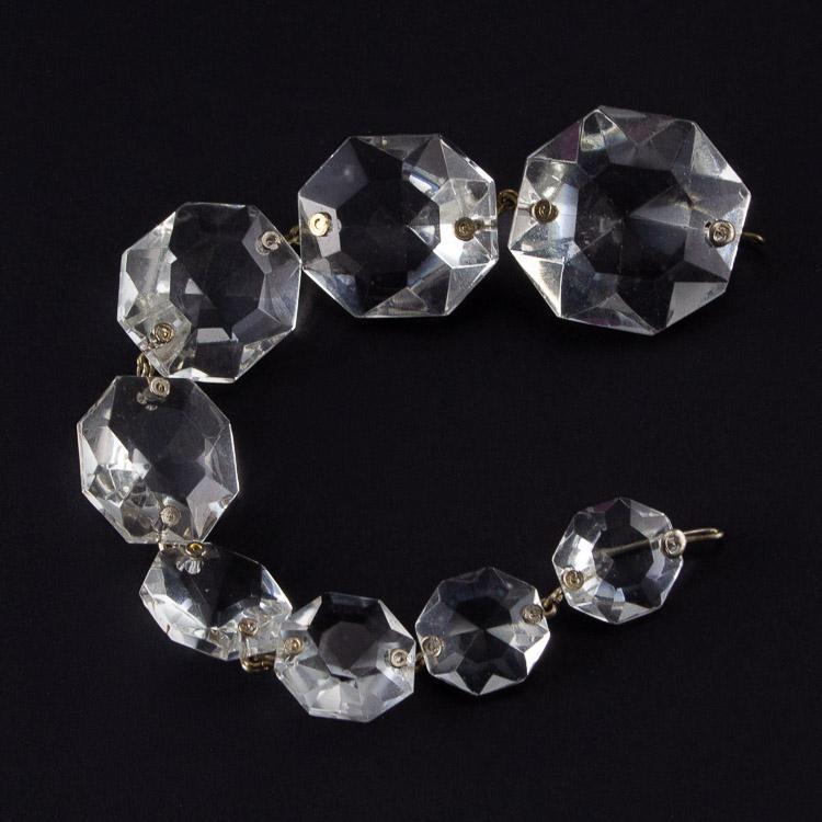 Strenna pendente ottagoni cristallo Boemia in gradazione. Lunghezza 17 cm.