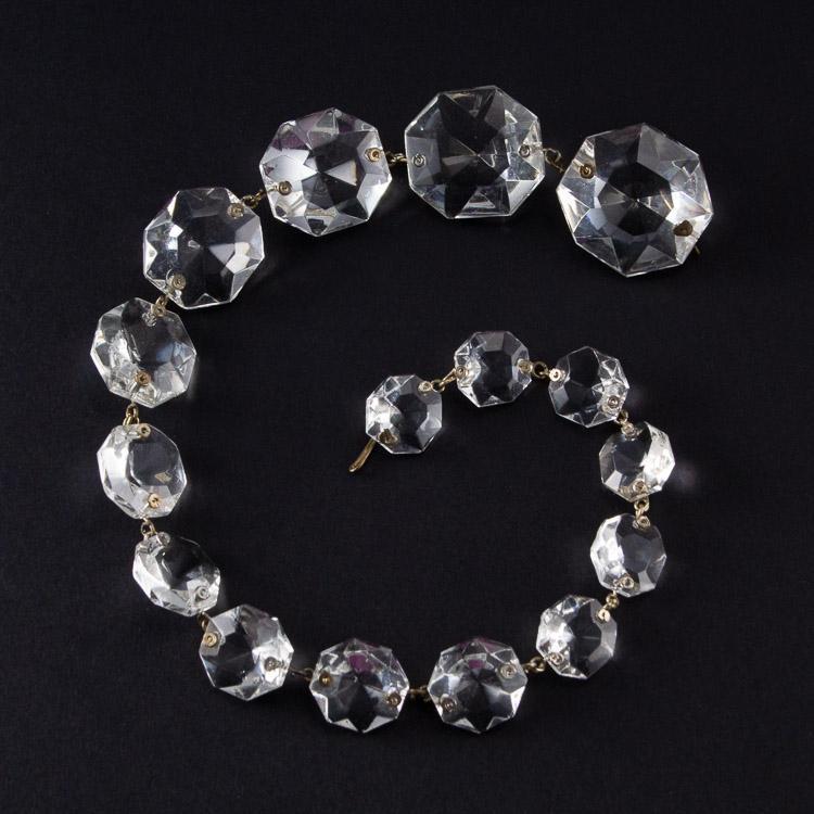 Strenna pendente ottagoni cristallo Boemia in gradazione. Lunghezza 39 cm.