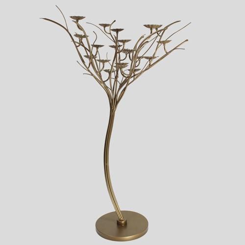 Struttura metallica sagomata ad albero, color bronzo, con circa 13 rami e 21 piattini portalampade Ø 76 mm, altezza 1100 mm.