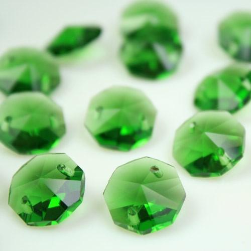 Ottagono 14 mm verde bosco vetro cristallo molato 16 facce 2 fori.