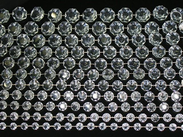 Catena ottagoni 30 mm in vetro veneziano color cristallo, lunghezza 50 cm, clip nickel.