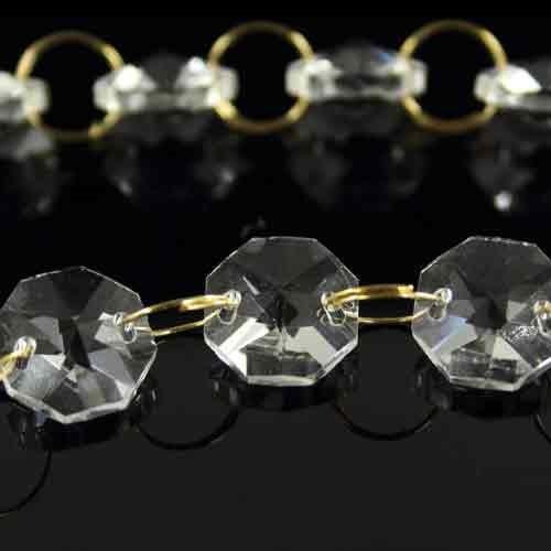Catena ottagoni 14 mm lunga circa 100 cm. Cristallo colore puro con anello brisè oro.