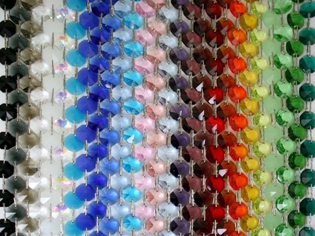Catena ottagoni 14 mm in cristallo verde, lunghezza 50 cm, clip ottone.