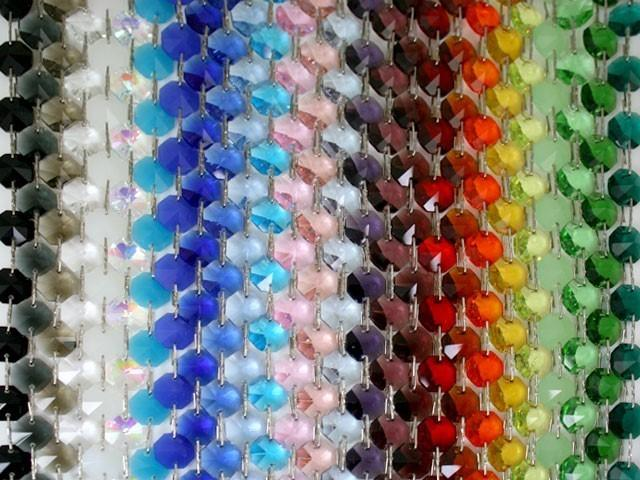 Catena ottagoni 14 mm in cristallo bianco seta, lunghezza 50 cm, clip ottone.