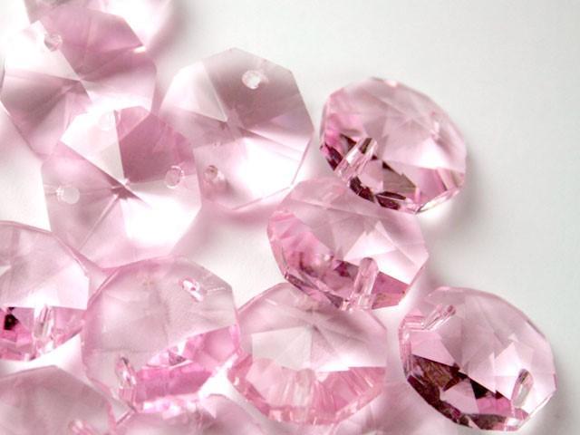 Catena ottagoni 18 mm in cristallo colore rosa, lunghezza 50 cm, clip nickel.