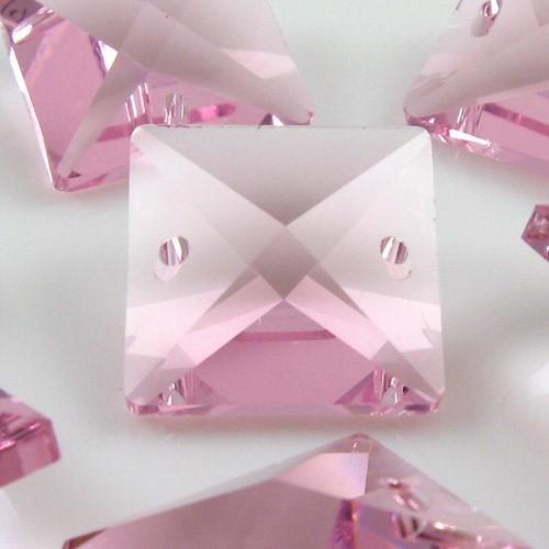 Catena quadrucci cristallo 16 mm - lunghezza 50 cm. Colore rosa - clip ottone.