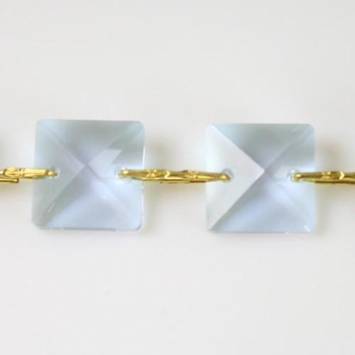 Catena quadrucci cristallo 20 mm - lunghezza 50 cm. Colore viola - clip ottone.