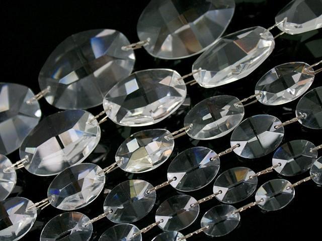 Catena ovalini 40 mm cristallo, 50 cm di lunghezza, colore puro. Clip nickel.