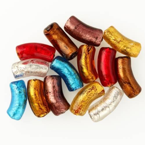 Perla di Murano tubo curvo Sommerso Ø8x18. Vetro rosso foglia oro. Foro passante.