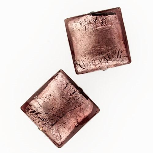 Perla di Murano schissa quadrata Ø18. Vetro sommerso ametista, foglia argento. Foro passante.