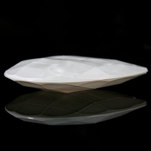 Mandorla 76 mm goccia pendente vetro sfaccettato color bianco latte
