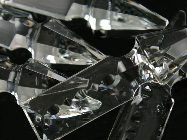 Pendaglio freccia 63 mm con foro in vetro cristallo stampato lucidato