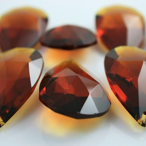 Mandorla pendente 38 mm vetro cristallo molato ambra caldo