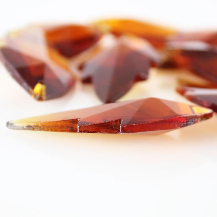 Foglia pendente h56 mm in cristallo molato color ambra