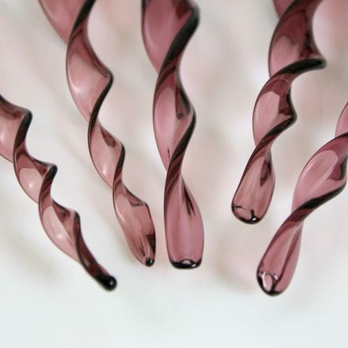 Goccia pendente twist 13 cm in vetro di Murano color ametista scuro in fogo