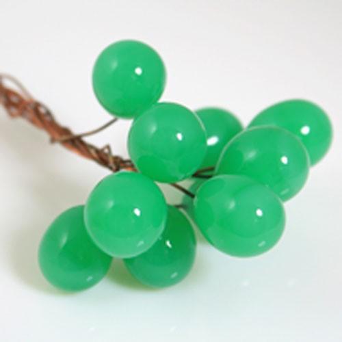 Chicco Ø16 mm con filo di rame, vetro di Murano color verde pasta in fogo.