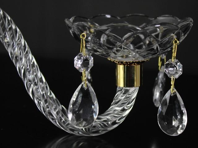Braccio in vetro cristallino finitura ritorta, 20 cm lunghezza, attacchi color oro.