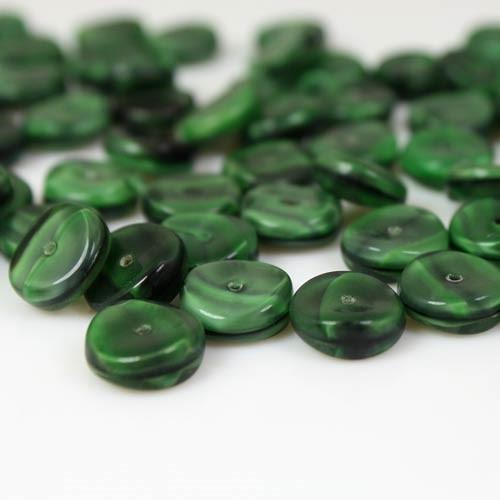 Perla tonda piatta in pasta di vetro screziata verde e verde scuro, 4 mm