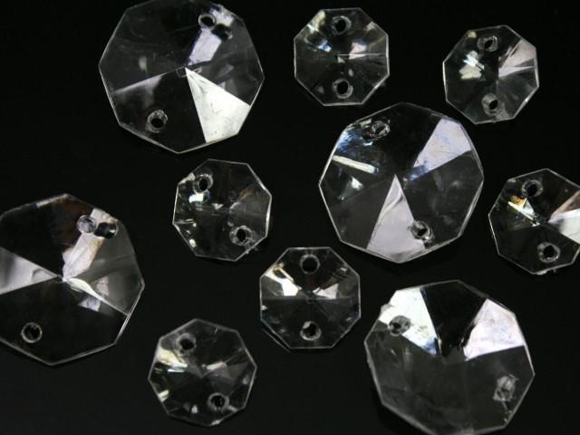 Ottagono 20 mm, cristallo acrilico sfaccettato 2 fori, colore puro