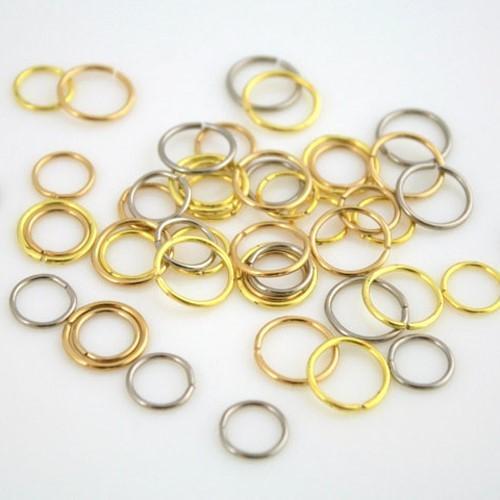 Anello Ø9 mm in ottone brillante per catene di cristalli, perle e vetri.