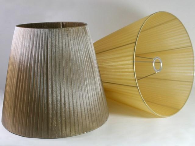 Paralume tronco cono, Ø40 cm, Ø superiore 25 cm, h 35 cm, organza fume', telaio argento. Attacco E27