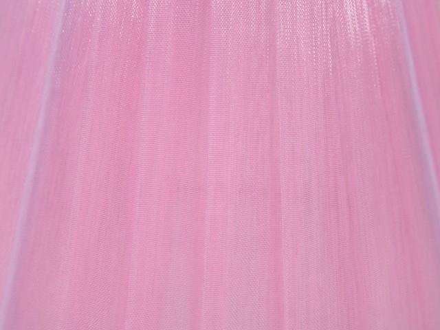 Paralume Ø rivestito da velo siena organza rosa. Montatura bianca attacco E14.