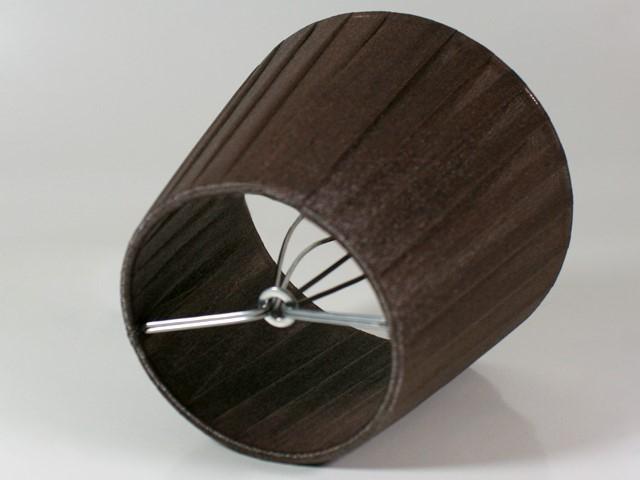 Paralume Ø12 Ø8 h10 cm tronco conico rivestito da velo organza marrone cacao. Montatura argento a molla.