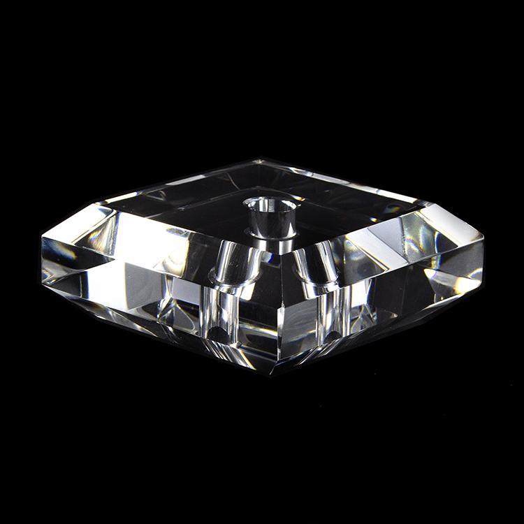Infilaggio 80 mm cristallo massiccio quadrato con bordi sfaccettati, foro centrale 11 mm per lampade cristallo