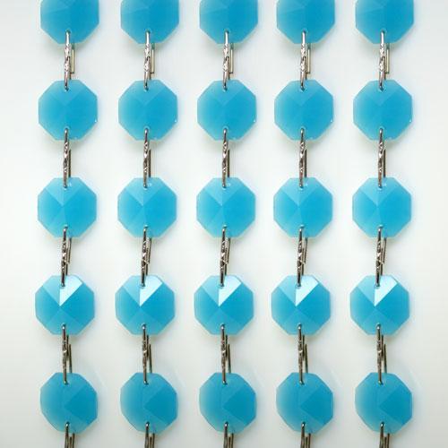 Catena ottagoni 14 mm in cristallo turchese seta, lunghezza 50 cm. Clip nickel.
