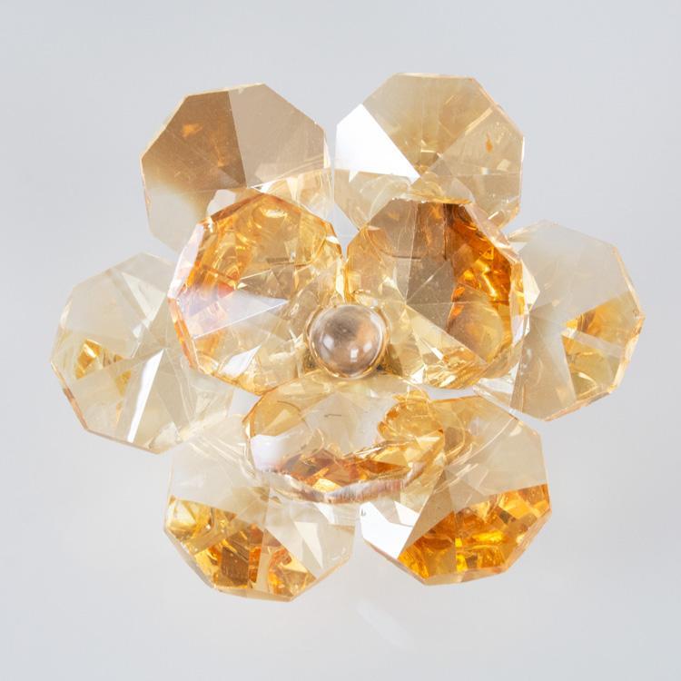 Fiore in cristallo corolla esterna e centrale ambra. Attacco filetto M6
