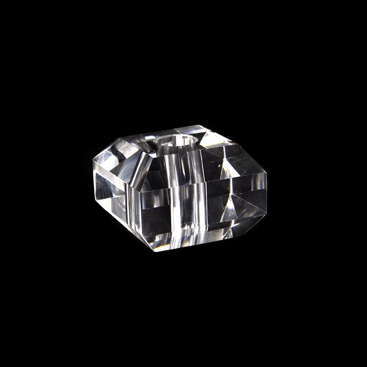 Infilaggio 40 mm cristallo massiccio quadrato con bordi sfaccettati, foro centrale 11 mm per lampade cristallo