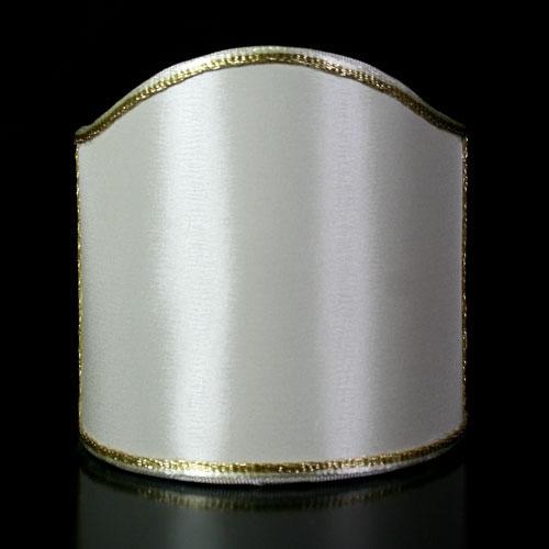 Paralume ventola tessuto rasatello color avorio con bordura oro.