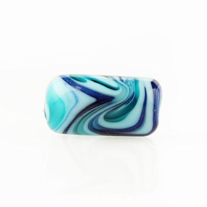 Perla di Murano cilindro Fenicio Ø9x18. Vetro verde marino, turchese, lapis e avventurina blu. Foro passante.