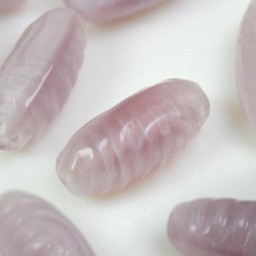 Perla vintage allungata in pasta di vetro alessandrite seta, 17 mm