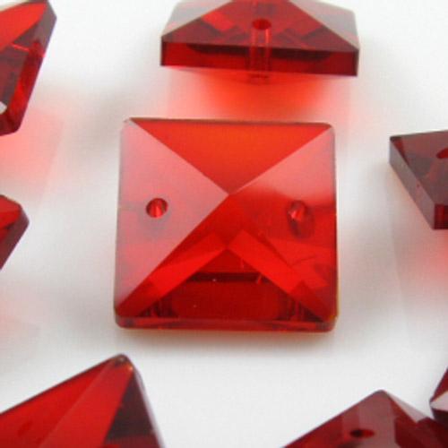 Quadruccio 16 mm rosso cristallo vetro sfaccettato 2 fori
