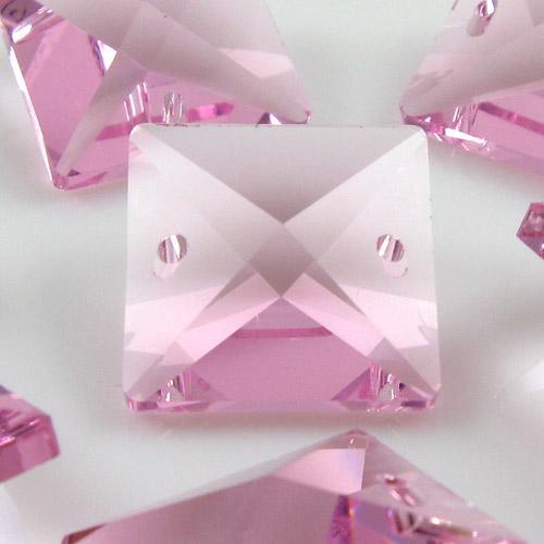 Quadruccio 18 mm rosa cristallo vetro sfaccettato 2 fori