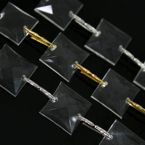 Catena ghirlanda di quadrucci 14 mm in cristallo acrilico colore puro, clip nickel, lunghezza 50 cm