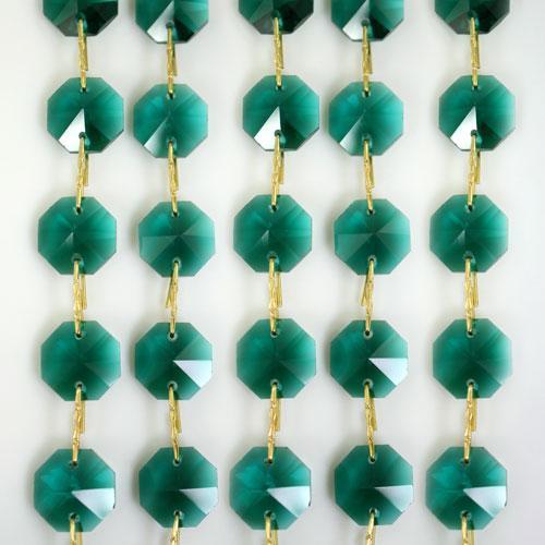 Catena ottagoni 14 mm in cristallo verde scuro, lunghezza 50 cm. Clip ottone.