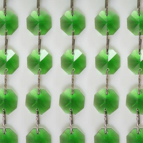 Catena ottagoni 18 mm in cristallo colore verde lunghezza 50 cm, clip nickel.